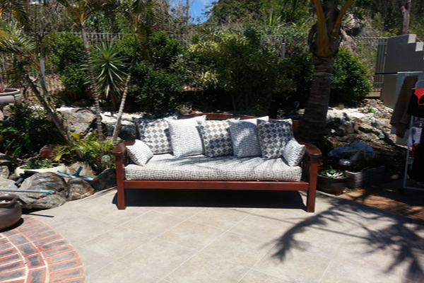 Ginger Spice outdoor bench 600x400